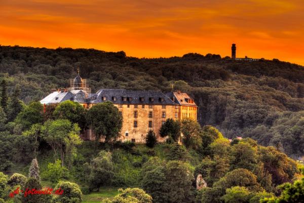 Blick auf das Große Schloss Blankenburg von der Teufelsmauer