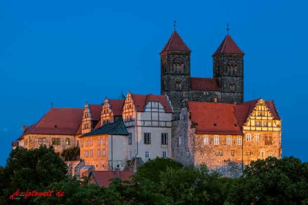Stiftskirche St. Servatius Quedlinburg in der Dämmerung