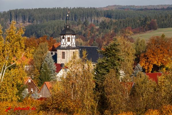Straßberg Harz Herbst Impression Blick über die Krche in das selketal