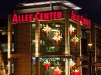 weihnachtlich geschmücktes Allee Center in Magdeburg