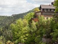 Blick auf den Berggasthof Burg und Kloster Oybin