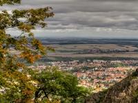 Blick vom Hexentanzplatz über Thale im herbst