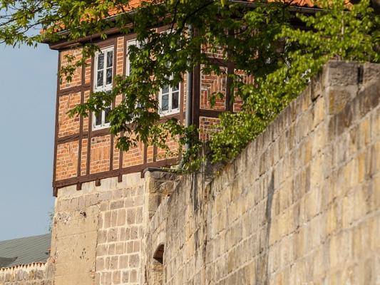 Welterbestadt Quedlinburg Stadtmauer mit Turm