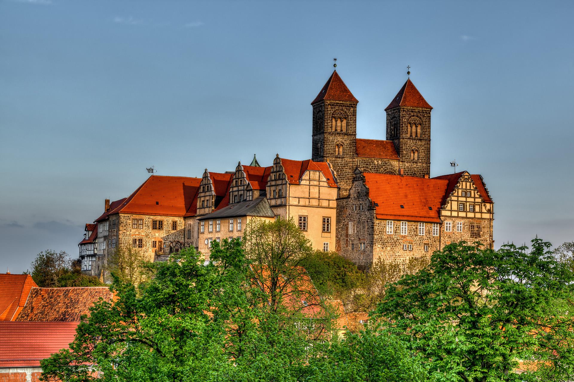 Welterbestadt Quedlinburg mit Blick zum Schloss Stiftskirche