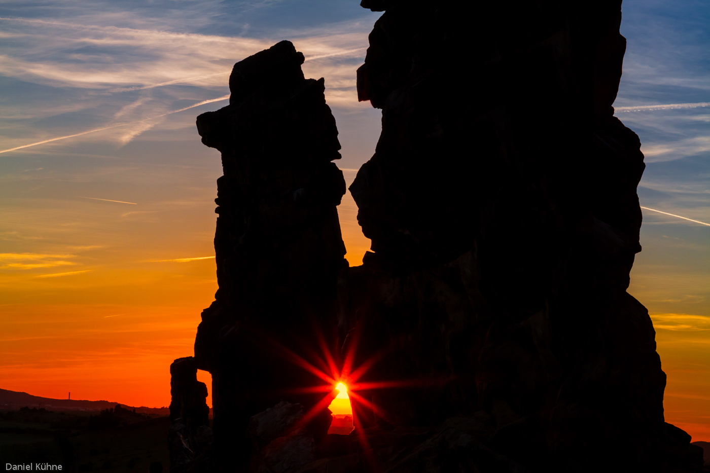 Sonnenuntergang an der Teufelsmauer bei Weddersleben im Harz